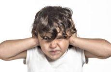Що робити, якщо у дитини болить вухо? Перша допомога і лікування