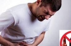 Болить шлунок після алкоголю: що робити, як лікувати