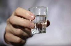 Чи можна пити горілку при гастриті шлунка або не можна?