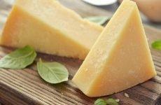 Сир при гастриті: плавлений, твердий, ковбасний
