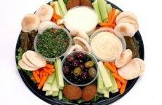 Які продукти повинна включати дієта при хронічному гастриті і які страви можна з них приготувати?