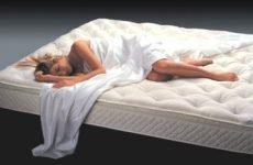 Як спати при сколіозі: вибір ортопедичного матраца, подушки, валика