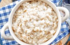 Які каші можна їсти при гастриті: гречана, вівсяна, манна, лляна, рисова, пшоняна