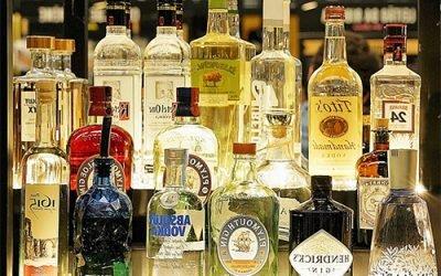 Який алкоголь шкідливіший – горілка чи вино