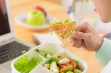 Лікувальна дієта номер 3 по Михайлу Певзнером: стіл для дітей, меню, рецепти
