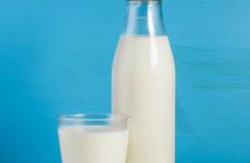 Можна чи ні пити молоко при гастриті шлунка з підвищеною кислотністю