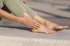 Оніміння ніг: чому розвивається цей стан і як з ним боротися