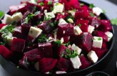 Прості рецепти страв при панкреатиті підшлункової залози: салати, запіканки, випічка