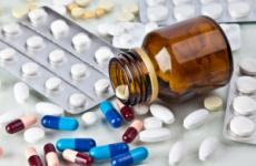 Таблетки від нудоти і блювоти при отруєнні: ліки для дітей, що пити дорослому, уколи
