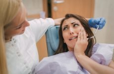 Що робити, якщо під час вагітності почав боліти зуб мудрості?