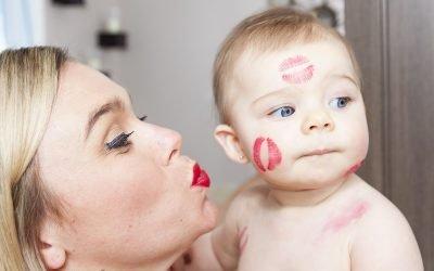 Чи передається карієс через поцілунок і чому?