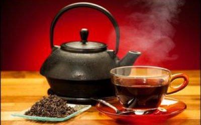 Чорний чай підвищує або знижує артеріальний тиск: думка лікарів